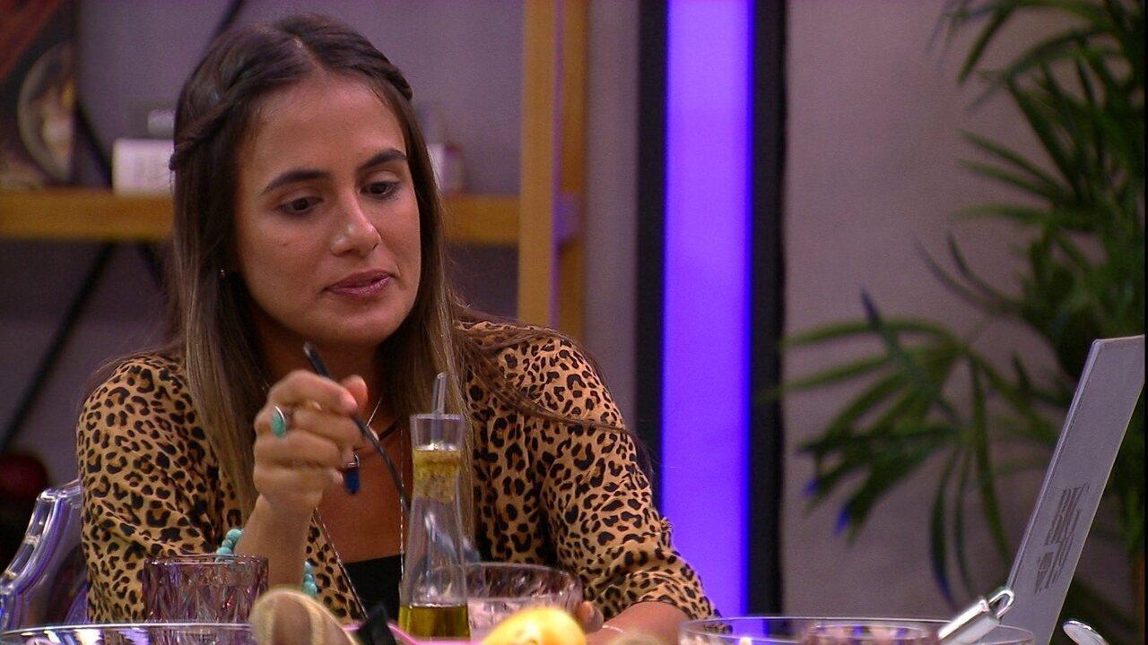 Carolina aconselha Isabella: 'Tem que se jogar nas provas'