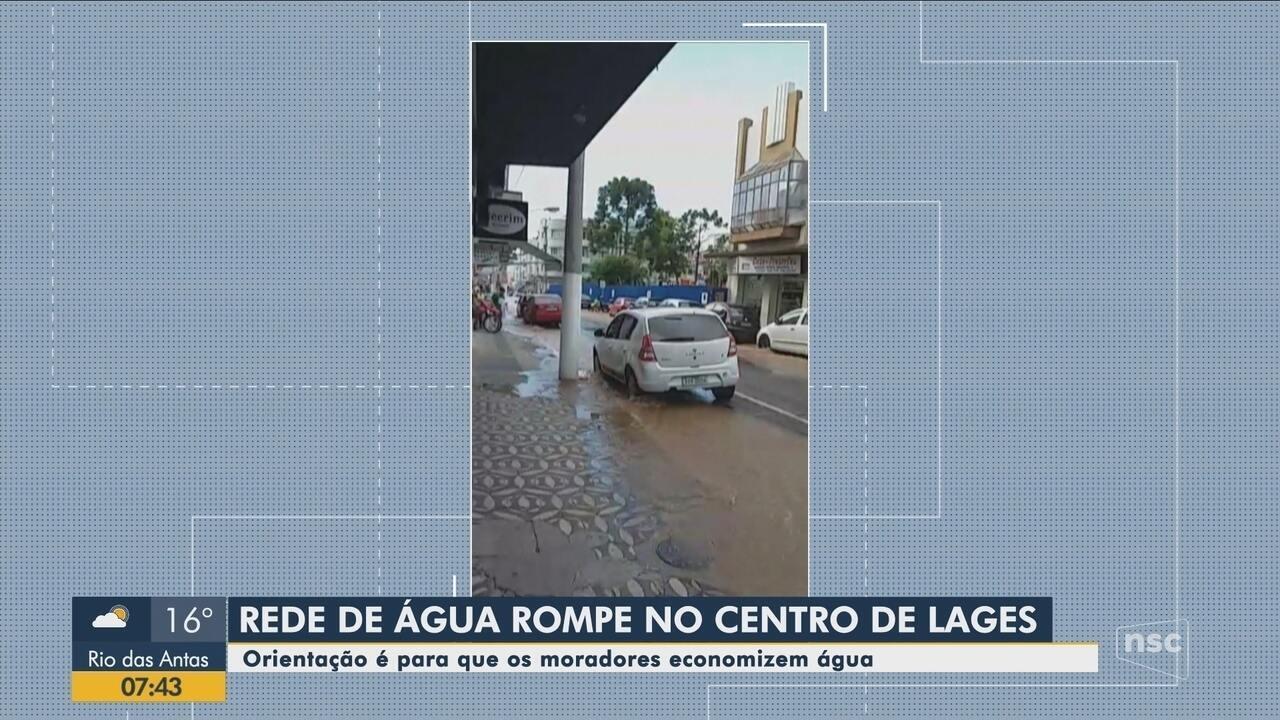 Rede de água rompe no Centro de Lages e compromete abastecimento