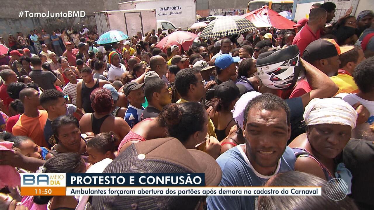 Sofrimento: ambulantes reclamam da falta de organização para o cadastro do carnaval