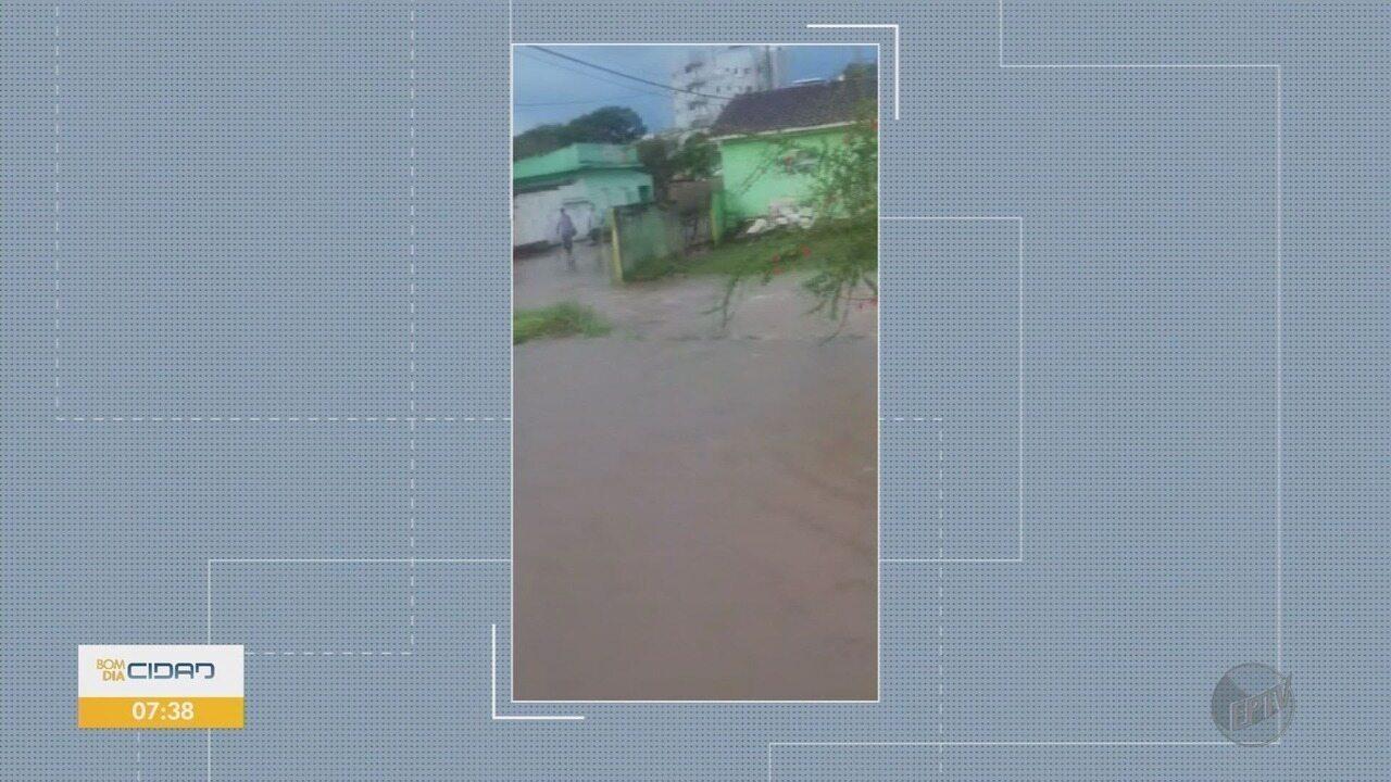 Tempestade causa estragos em Borda da Mata, MG