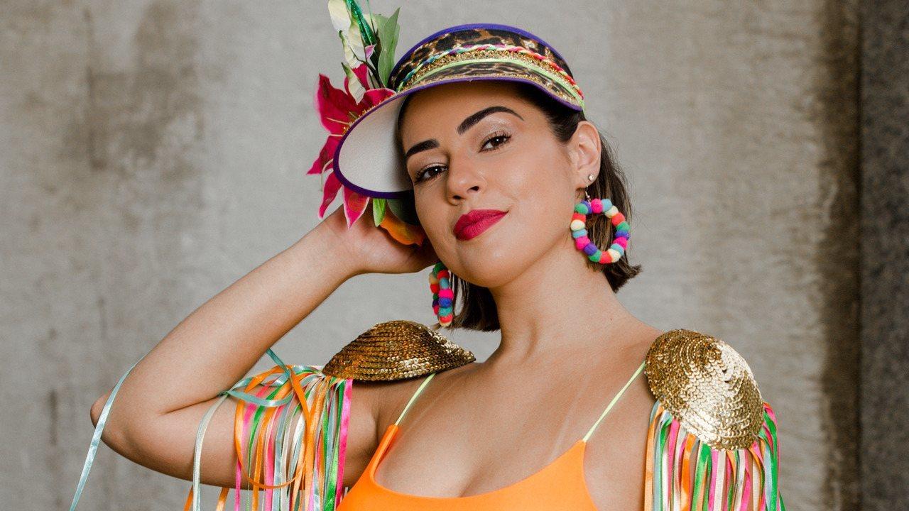 Vivian Amorim apresenta looks neon para o Carnaval. Assista ao vídeo!
