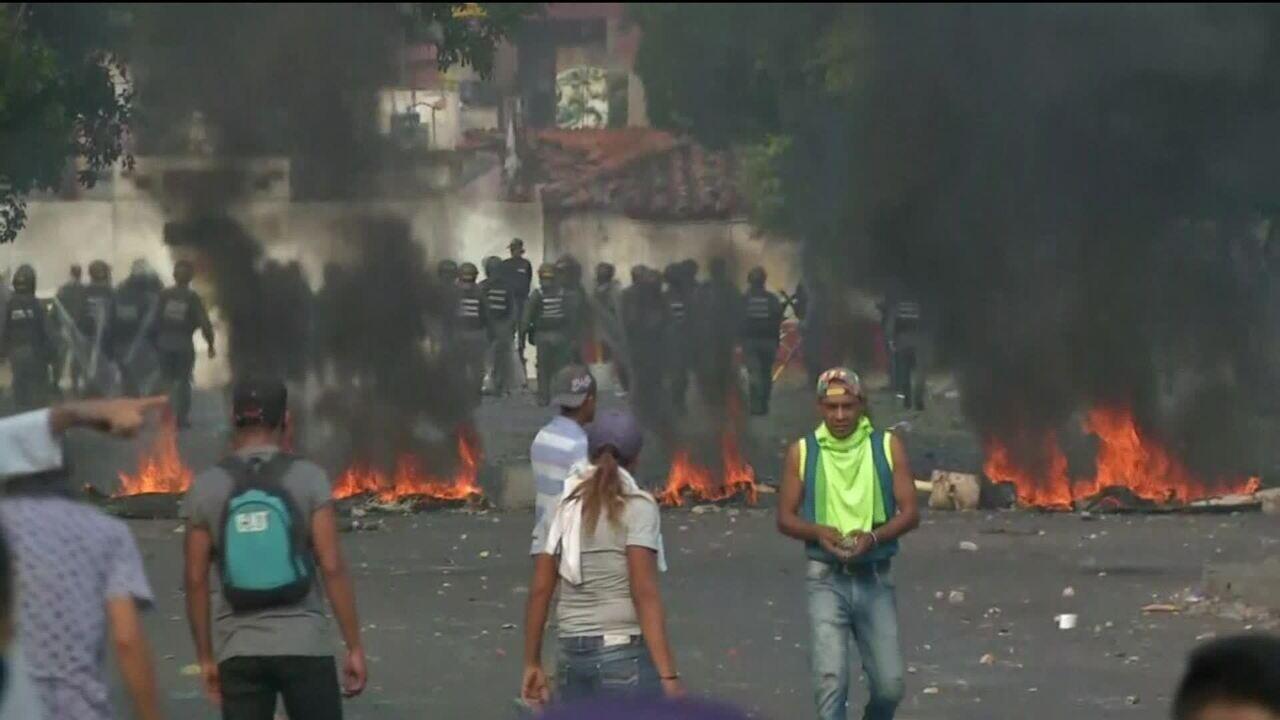 Maduro rompe relações diplomáticas com a Colômbia