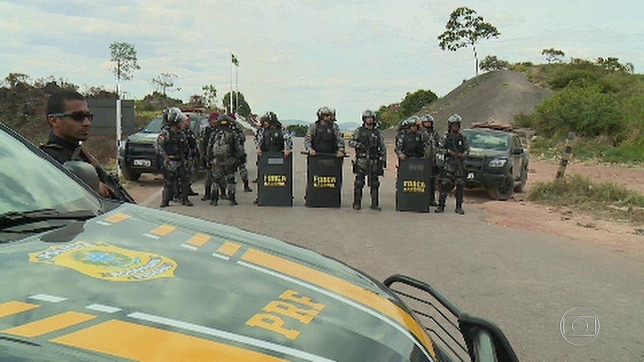 Tensão marca o domingo na fronteira do Brasil com a Venezuela