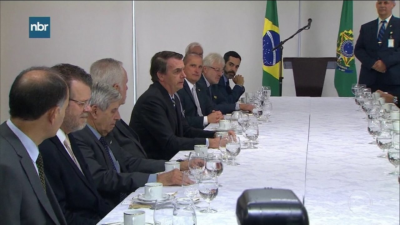 Presidente Bolsonaro fala da influência dos filhos no governo