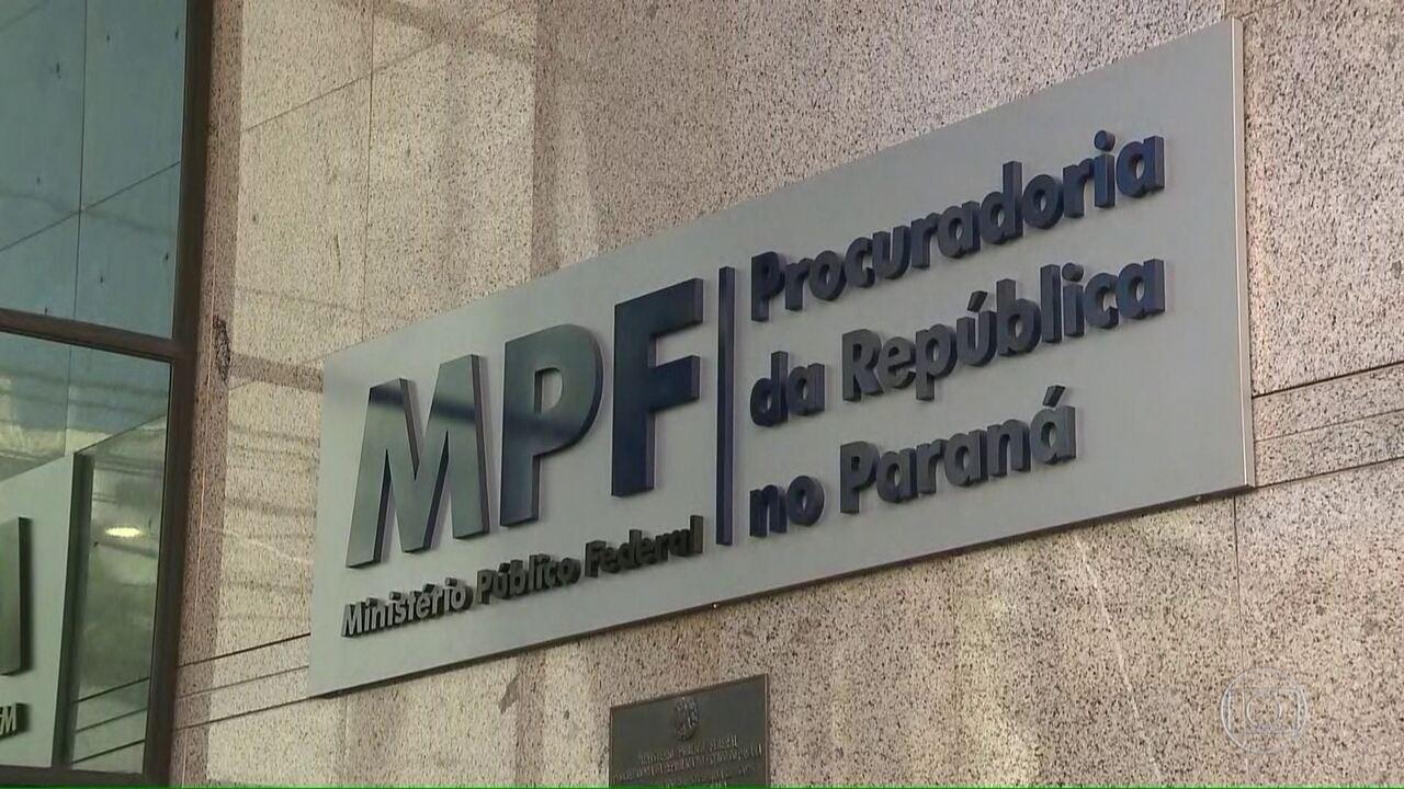 Ex-executivos da OAS relatam desvios de dinheiro da Petrobras para o PT