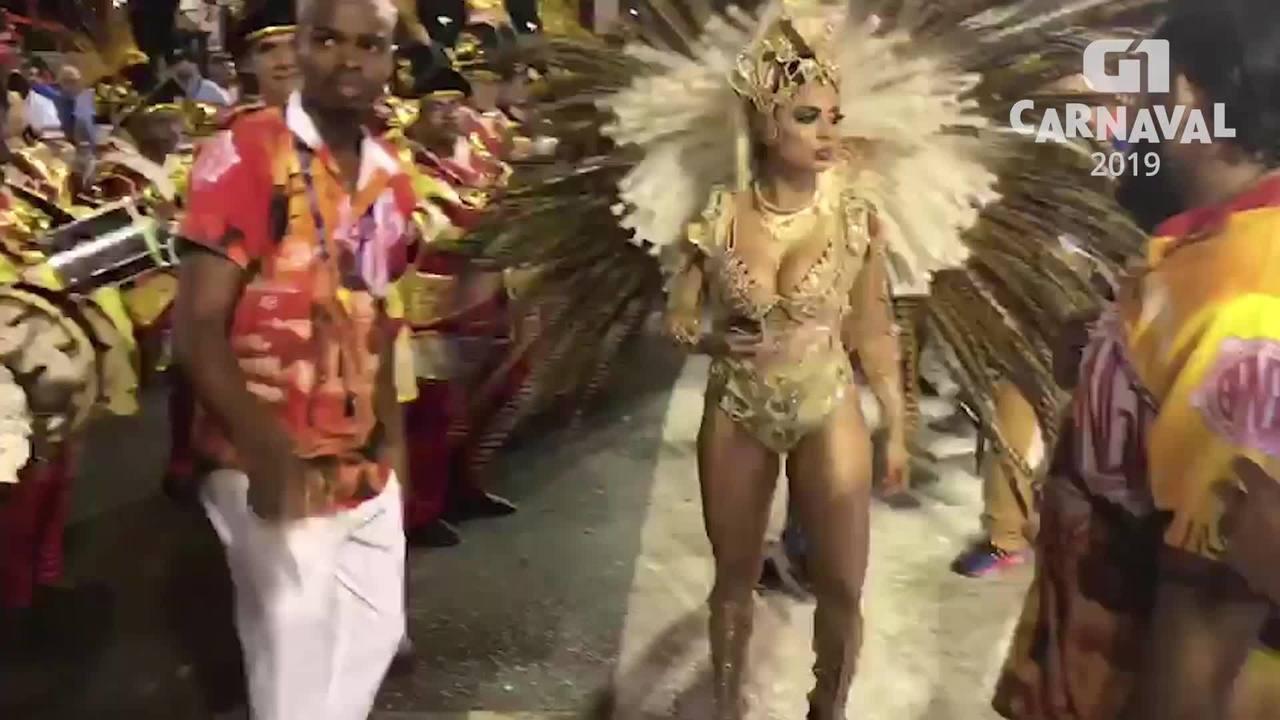 Lexa levanta o público na segunda noite de desfiles da Sapucaí