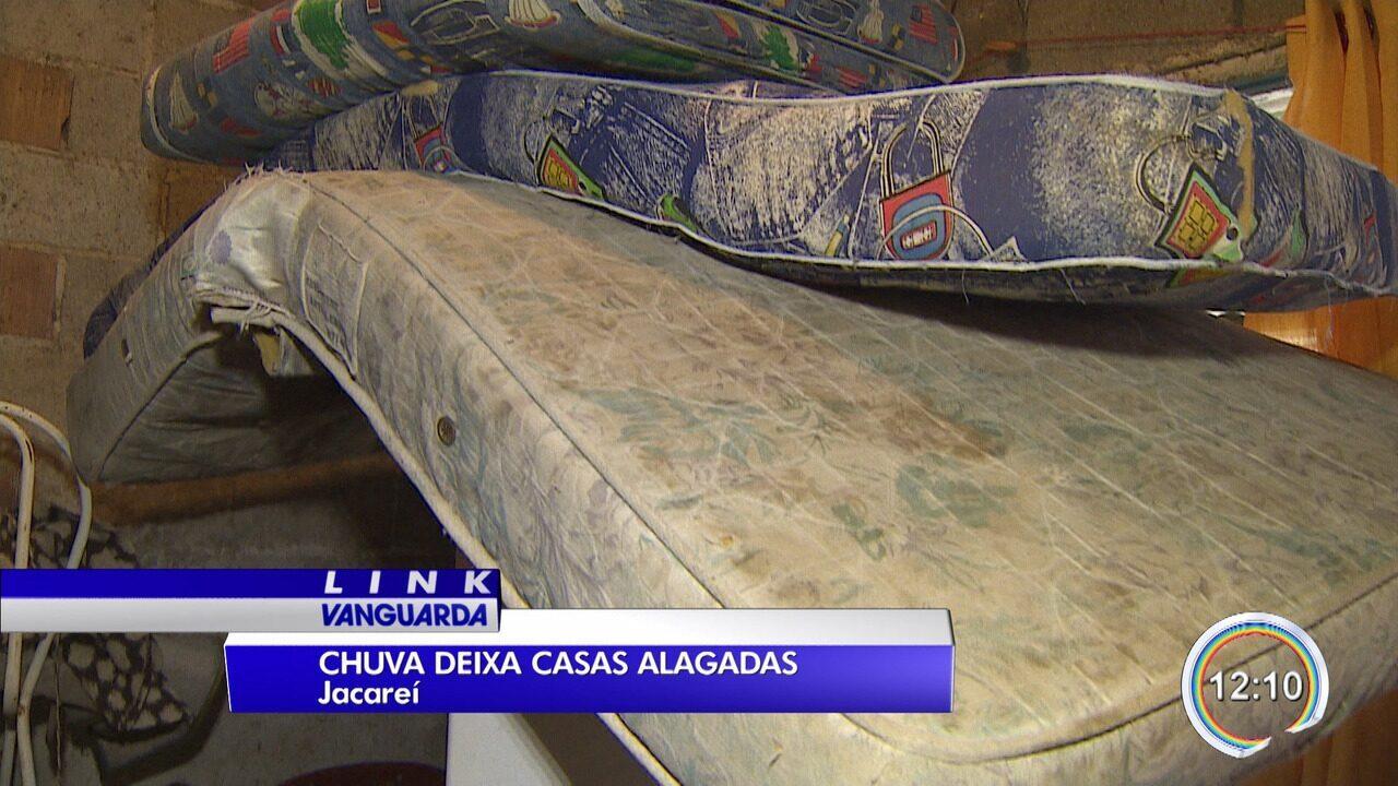 Duas famílias ficam desalojadas após chuvas em Jacareí