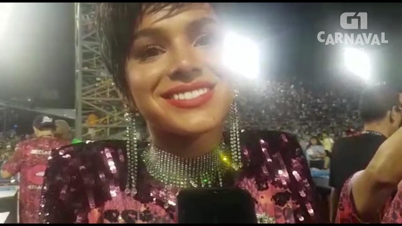 Bruna Marquezine fala sobre a folia do carnaval e de se dividir entre Salvador e Rio