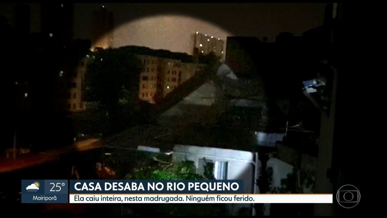 Flagrante: vizinho filma momento em que casa desaba no Rio Pequeno, SP
