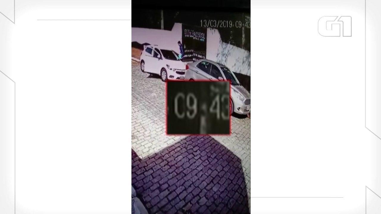 Vídeo mostra momento em que um dos assassinos entra na escola de Suzano