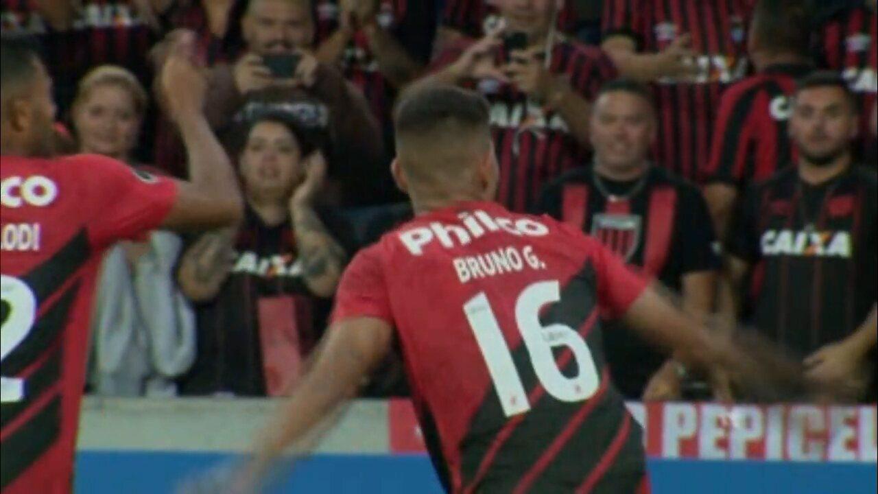 Gol do Athletico! Bruno Guimarães sela goleada sobre o Jorge Wilstermann pela Libertadores