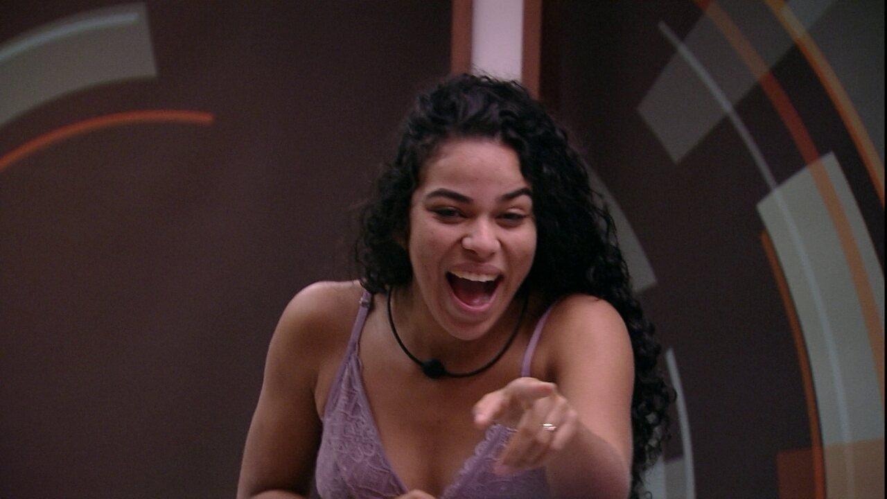 Elana conta para Gabriela declaração de Paula