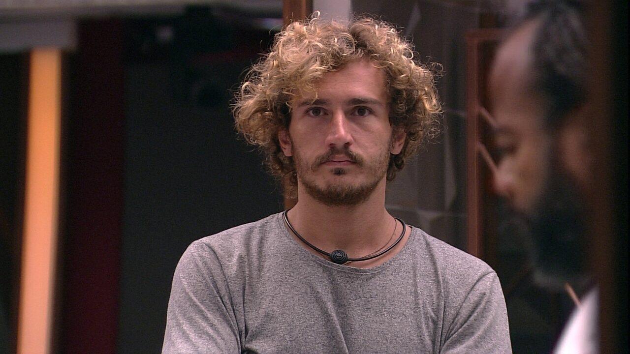 Alan questiona Rodrigo sobre DR: 'Deu tudo certo com a Rízia?'