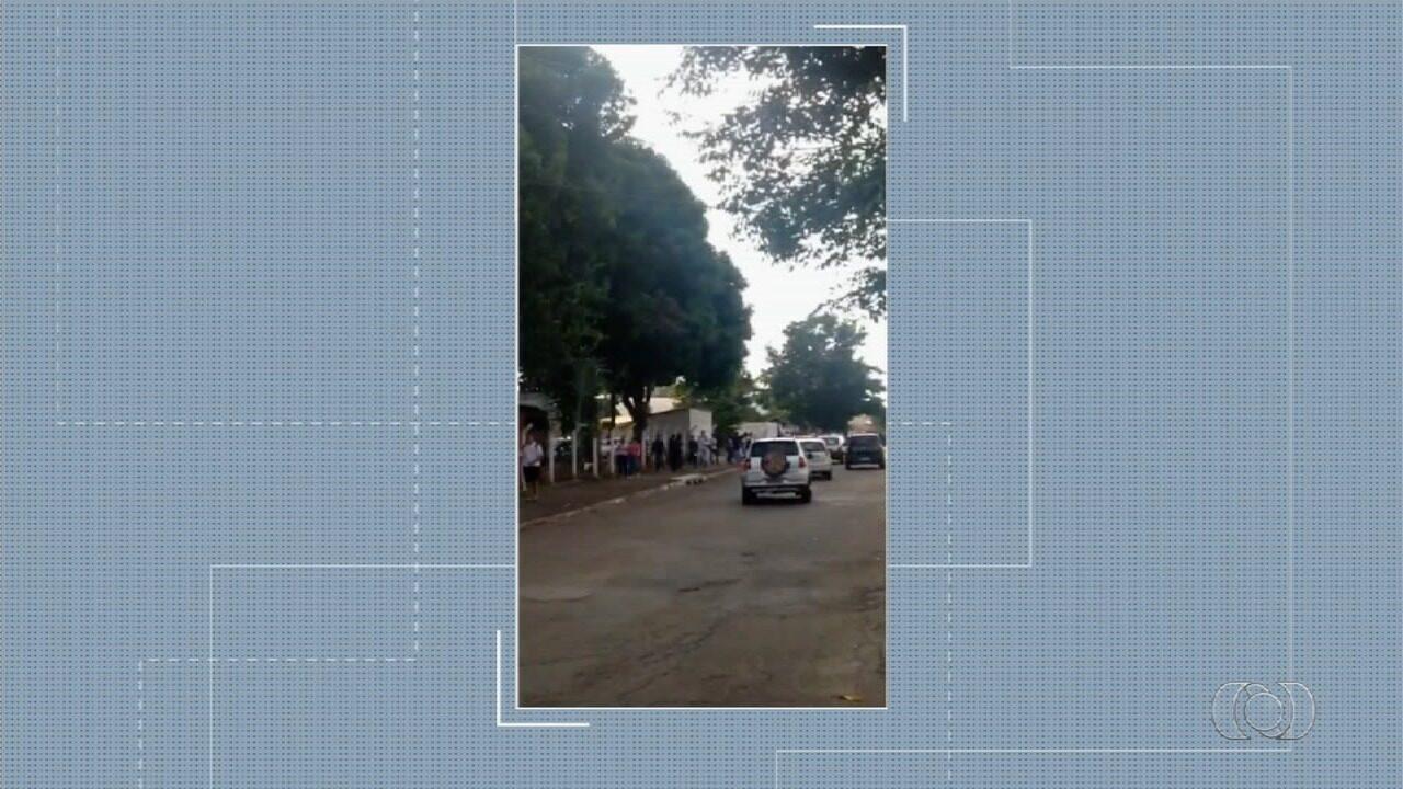 Confusão com agressão, bombinha e arma assusta alunos de escola em Goiânia
