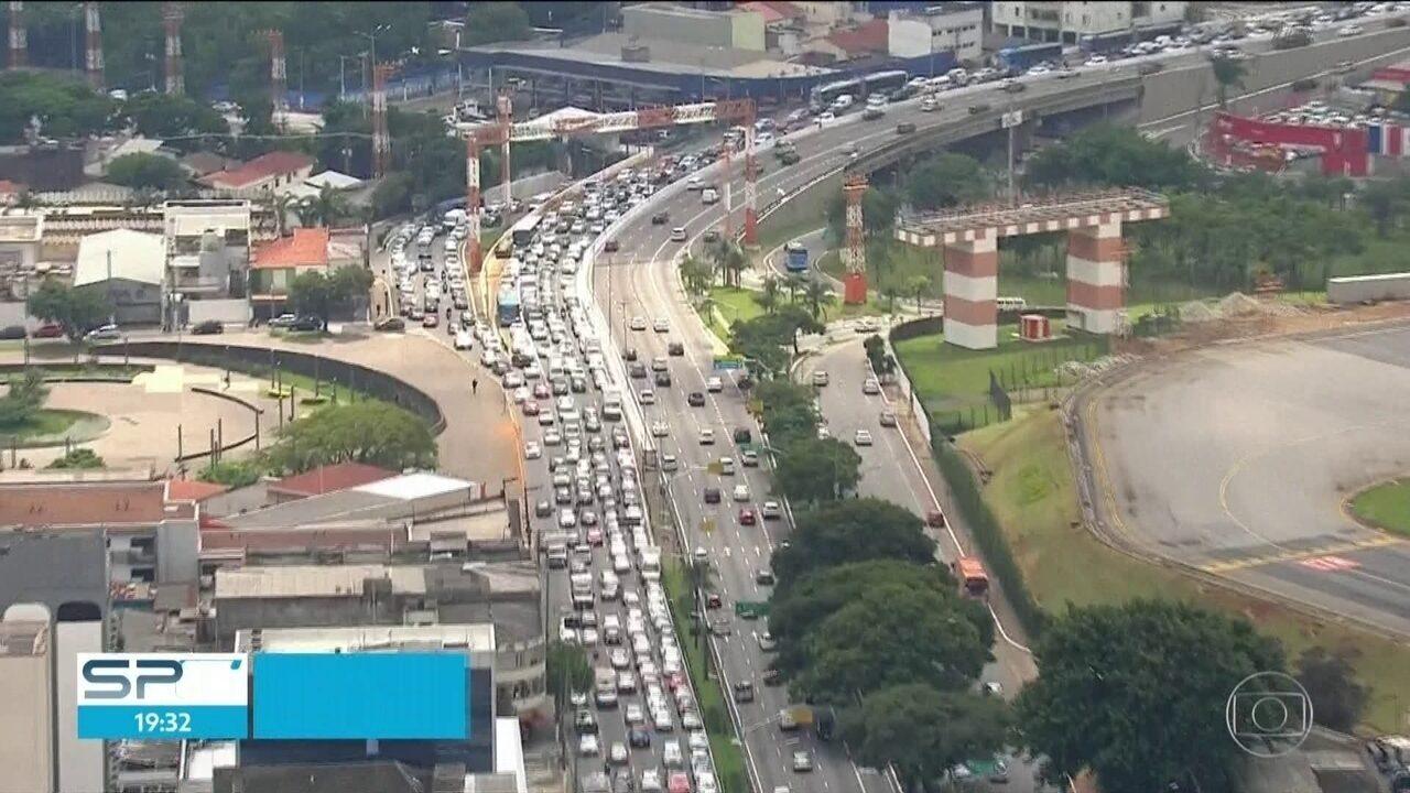 Mudanças em Congonhas complicam trânsito
