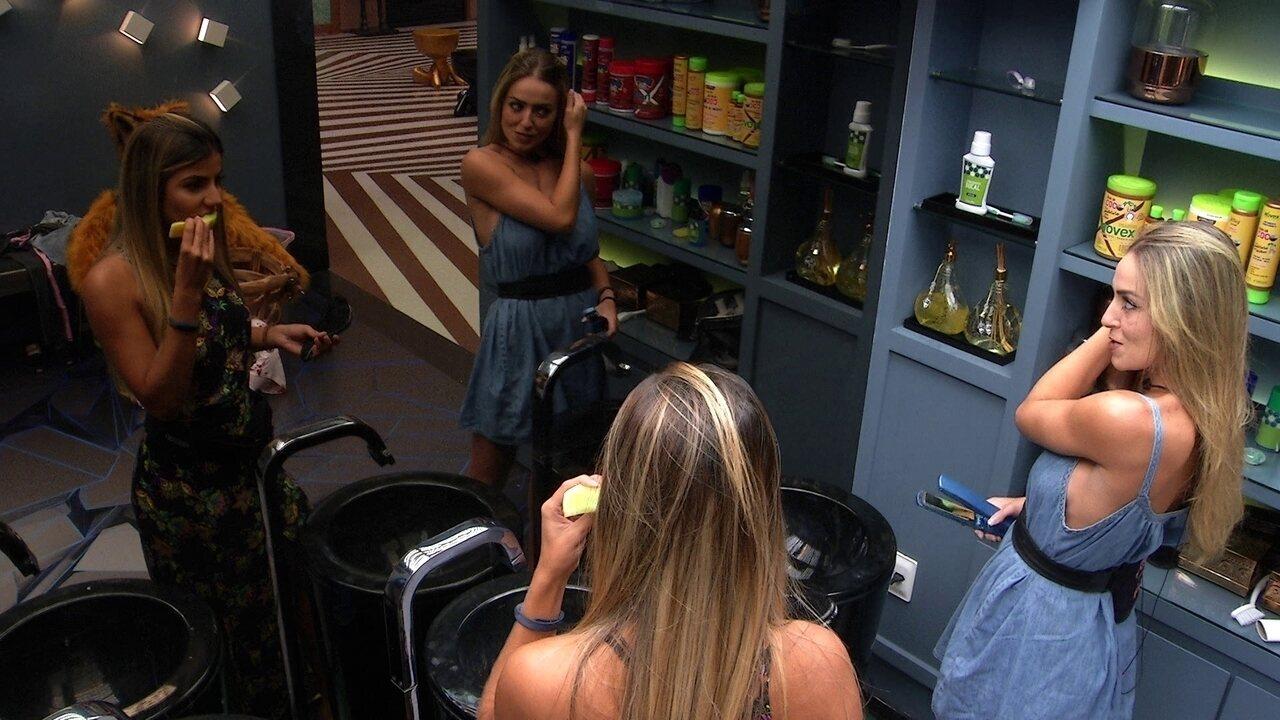 Hariany conta para Paula que deu pão para Alberto e a mineira questiona: 'Do seu, né?'