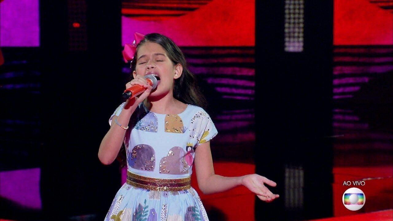 Palloma Gueiros canta