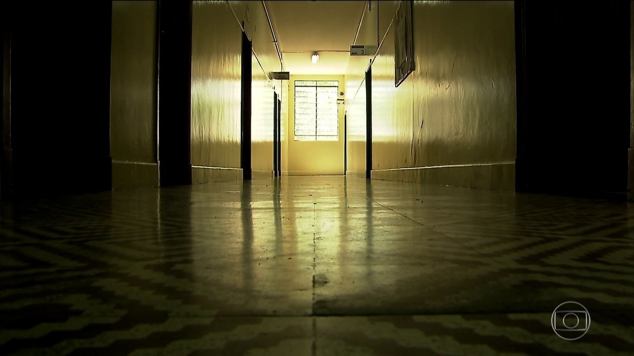 Cinco dias após massacre, escola em Suzano reabre para professores e funcionários
