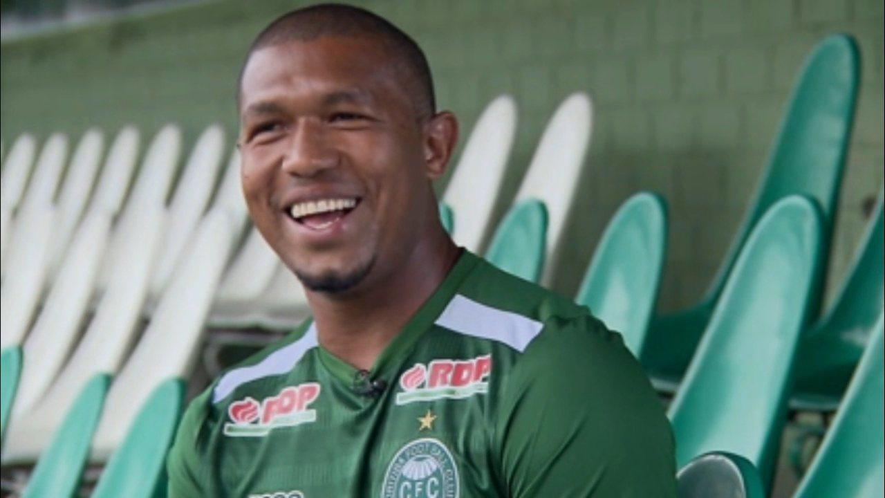 Rodrigão brinca sobre chegada ao Coritiba: