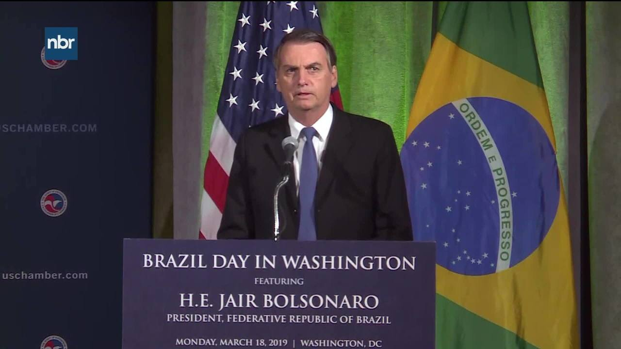 Nos EUA, Bolsonaro diz: É preciso resolver 'questão da Venezuela'
