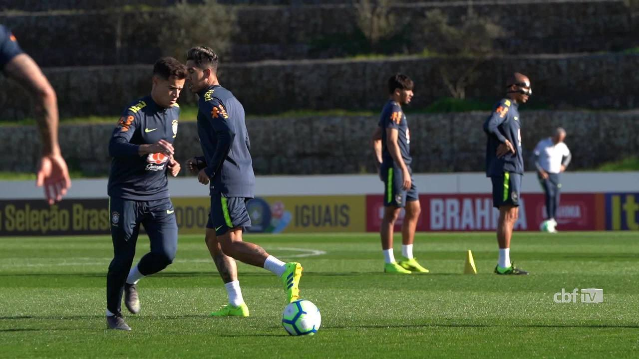 Seleção brasileira faz treino no CT do Porto