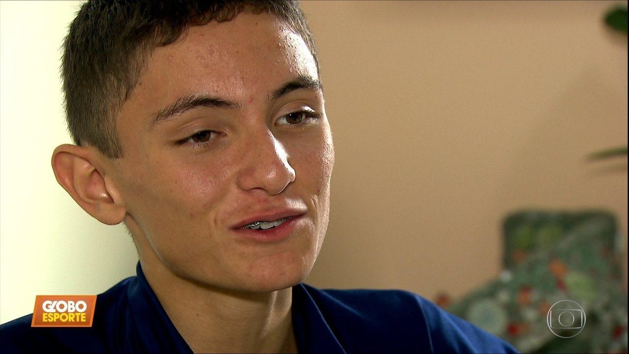 Geração Z: Henrique Mendes, de 14 anos, é promessa do triatlo e campeão nos estudos