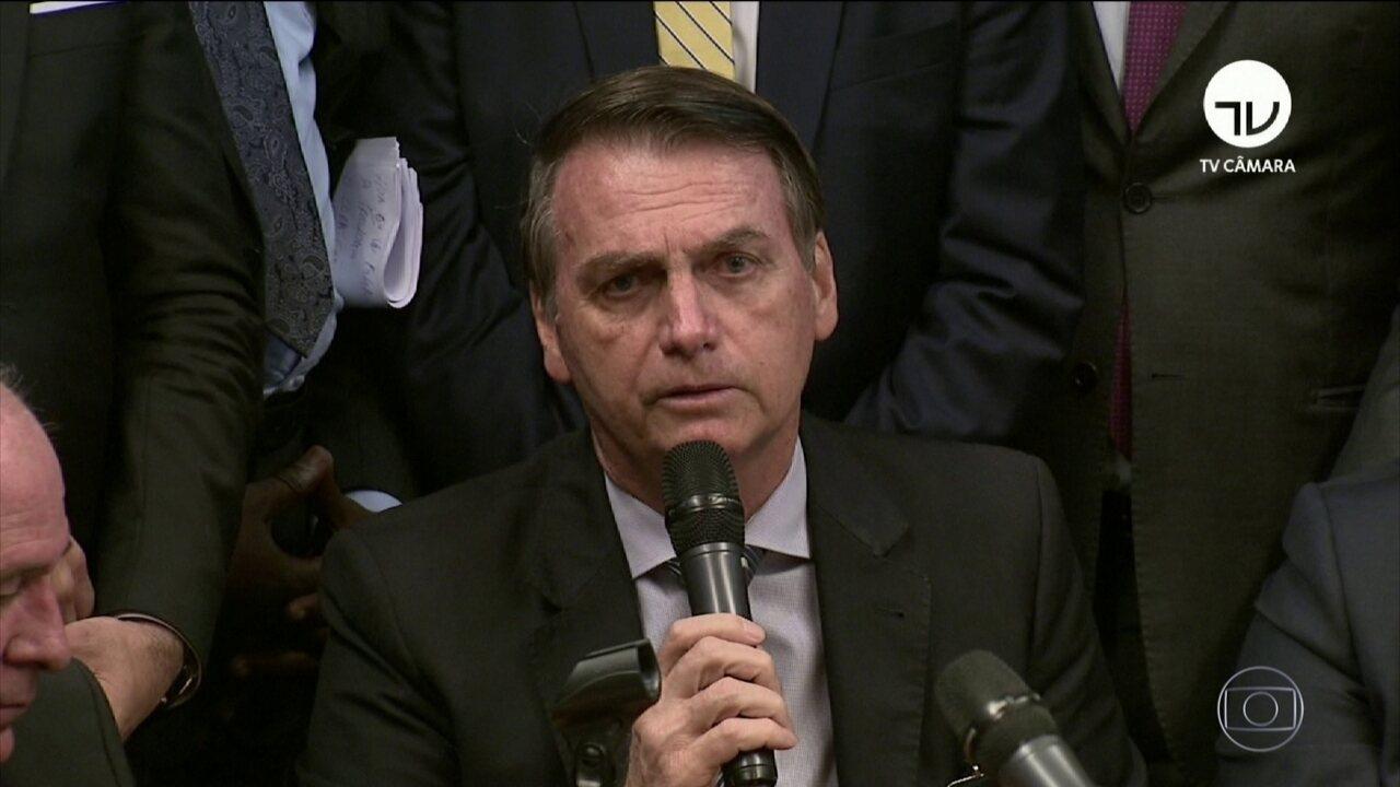 Bolsonaro entrega ao Congresso projeto de aposentadoria dos militares