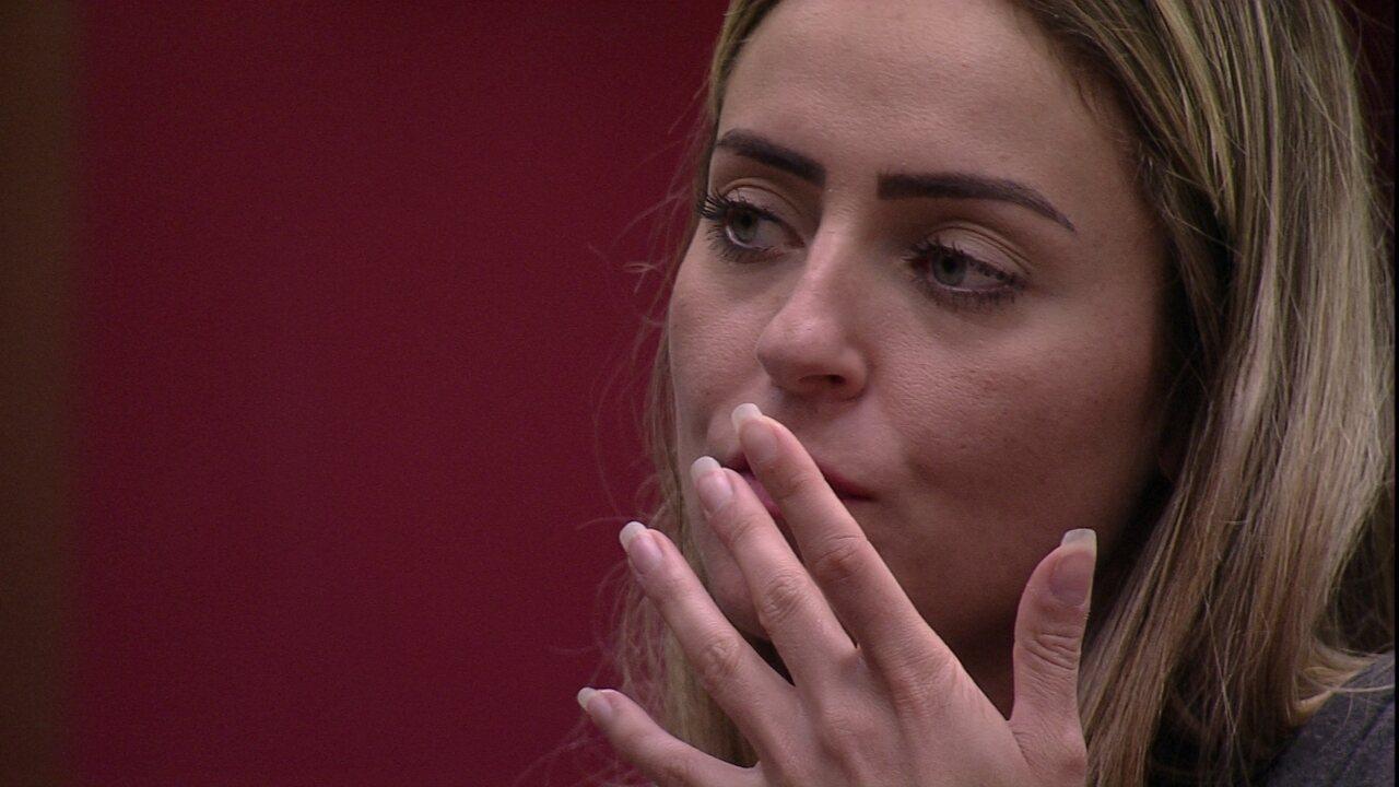 Paula diz que daria Castigo do Monstro para Rodrigo, e Hariany discorda