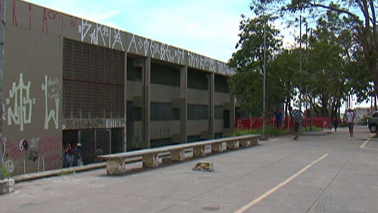 Escolas municipais de Ferraz de Vasconcelos continuam fechadas para reformas