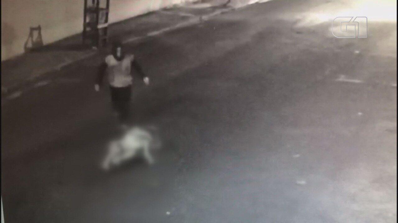 Mulher é agredida a chutes e arrastada em Serrana, SP