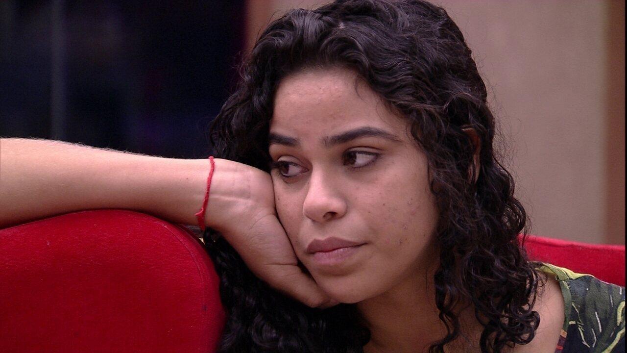 Elana especula próximo Paredão e fala para Paula: 'Eu, você e Gabriela'