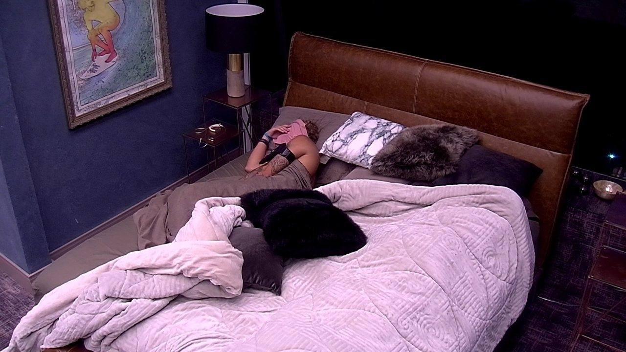 Alan dorme no Quarto do Líder