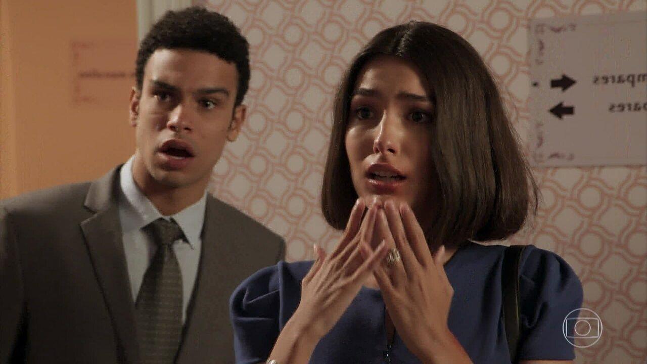 Larissa e Diego se encontram no hotel