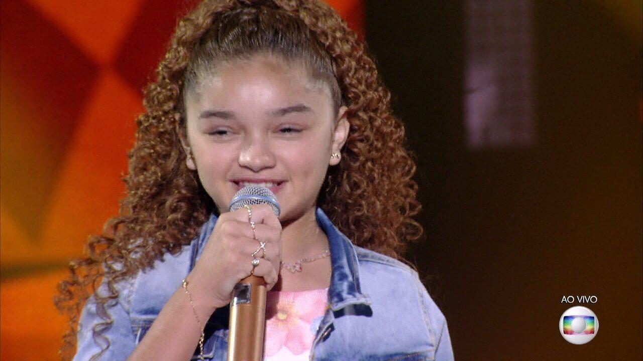 Raylla Araújo canta 'Céu Azul' e se classifica para a semifinal do 'The Voice Kids'