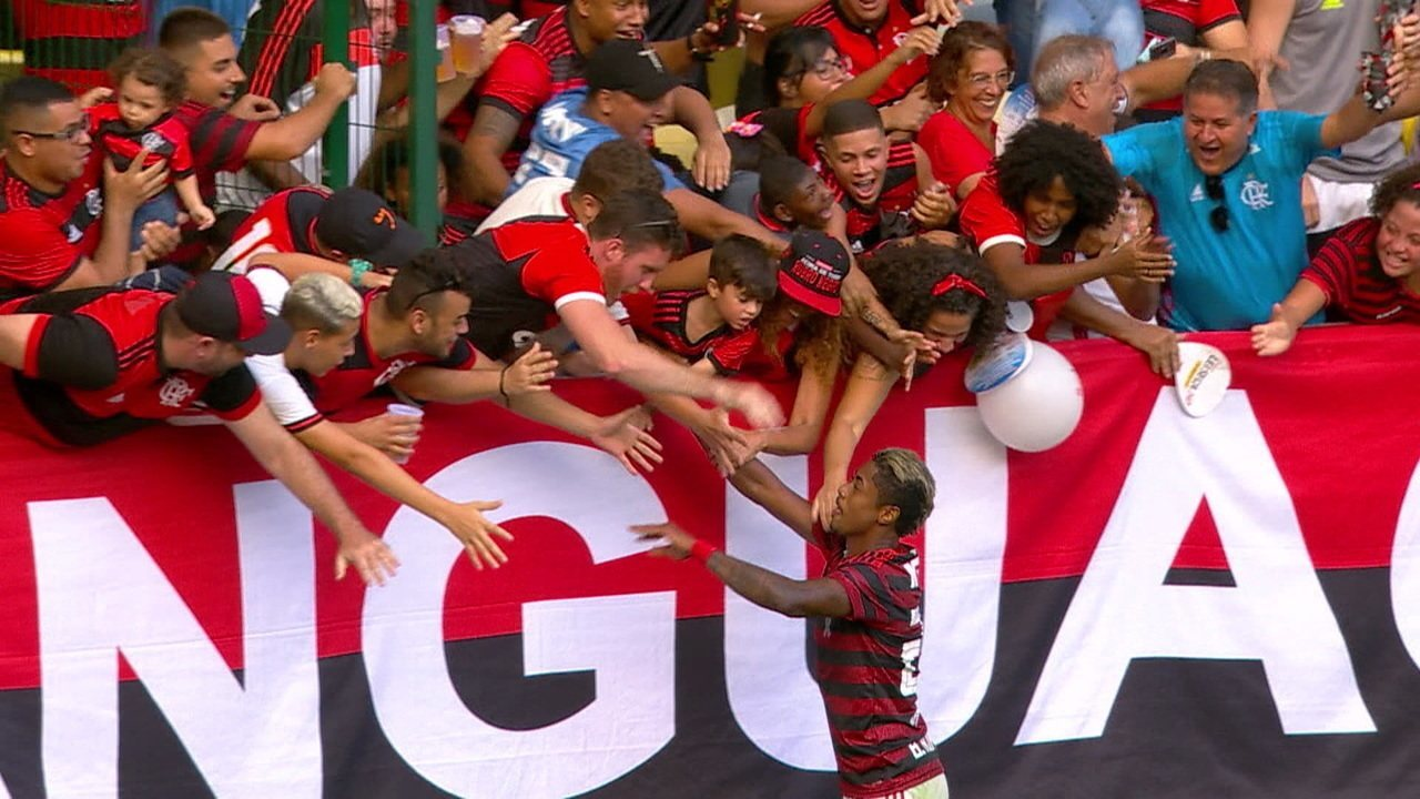 Gol do Flamengo! Diego dá lindo passe para Bruno Henrique fazer mais um, aos 5 do 2ºtempo