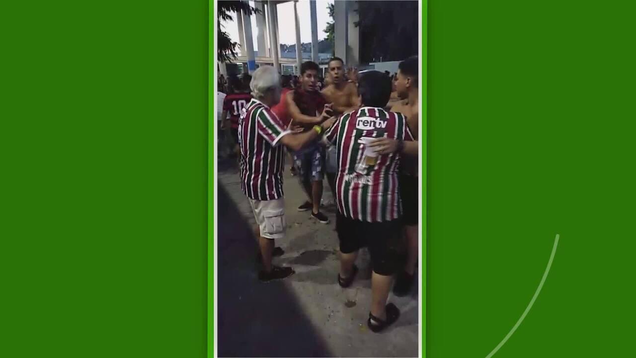 Torcedor do Flamengo agride torcedor do Fluminense na saída do Maracanã