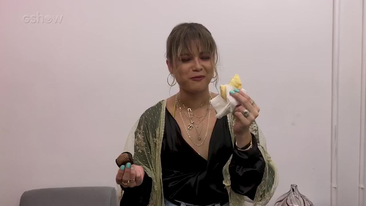 Sofía Reyes experimenta comidas brasileiras