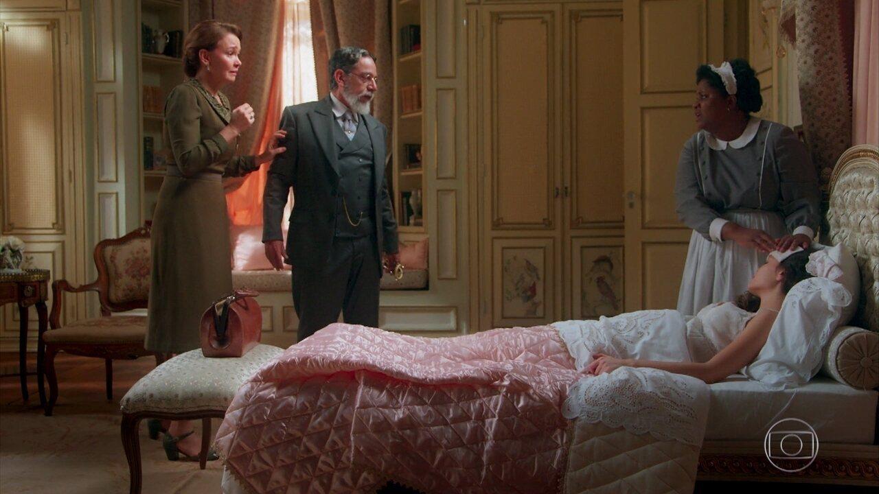 Eugênio (Felipe Camargo) não permite que Julia (Vitória Strada) seja levada para o hospital
