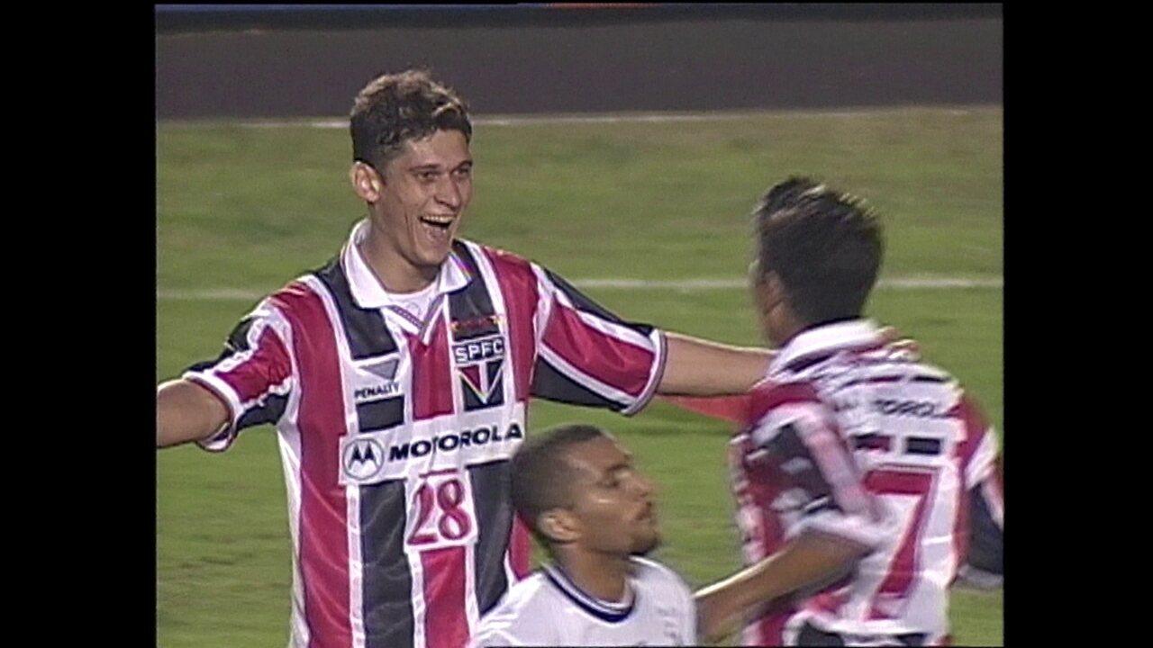 São Paulo vence o Corinthians por 2 a 0, pela semifinal do Paulistão de 2000