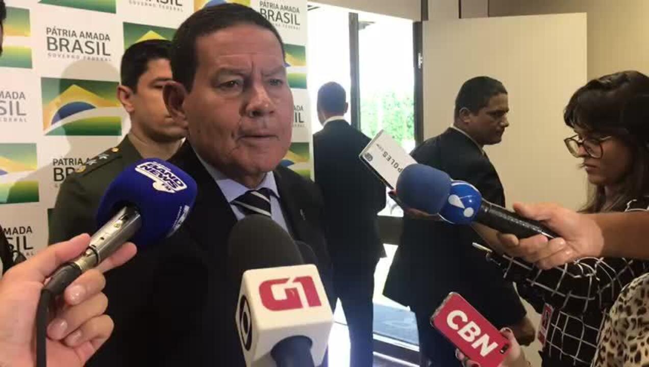 Mourão comenta vídeo distribuído por canal oficial do Planalto que nega o golpe de 1964