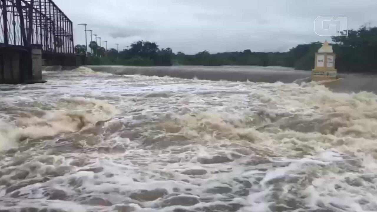 Nível do Rio Coreaú sobe mais de três metros e ameaça invadir Granja
