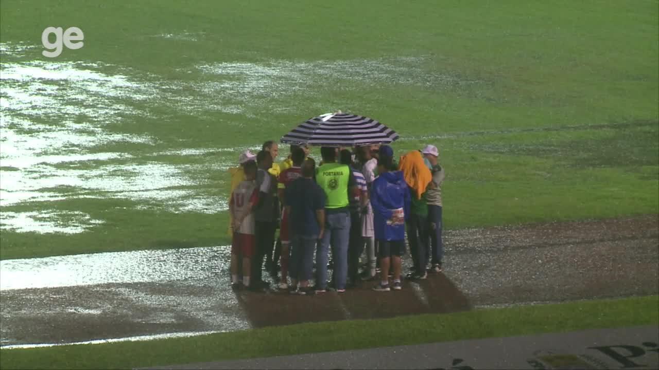 Após forte chuva, segundo tempo da partida entre Altos e 4 de Julho é cancelado