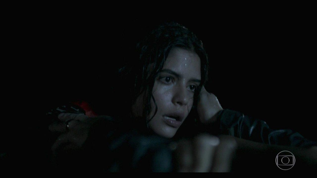 Laila e Elias conseguem se encontrar após o naufrágio