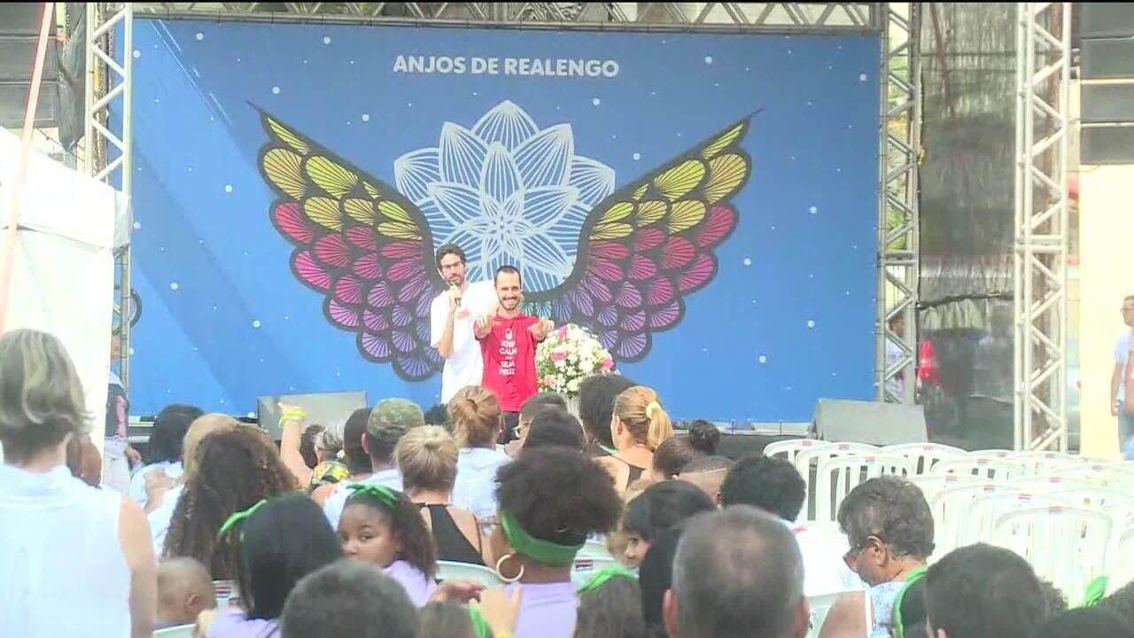 Pais de vítimas lembram oito anos do massacre de Realengo, no Rio de Janeiro
