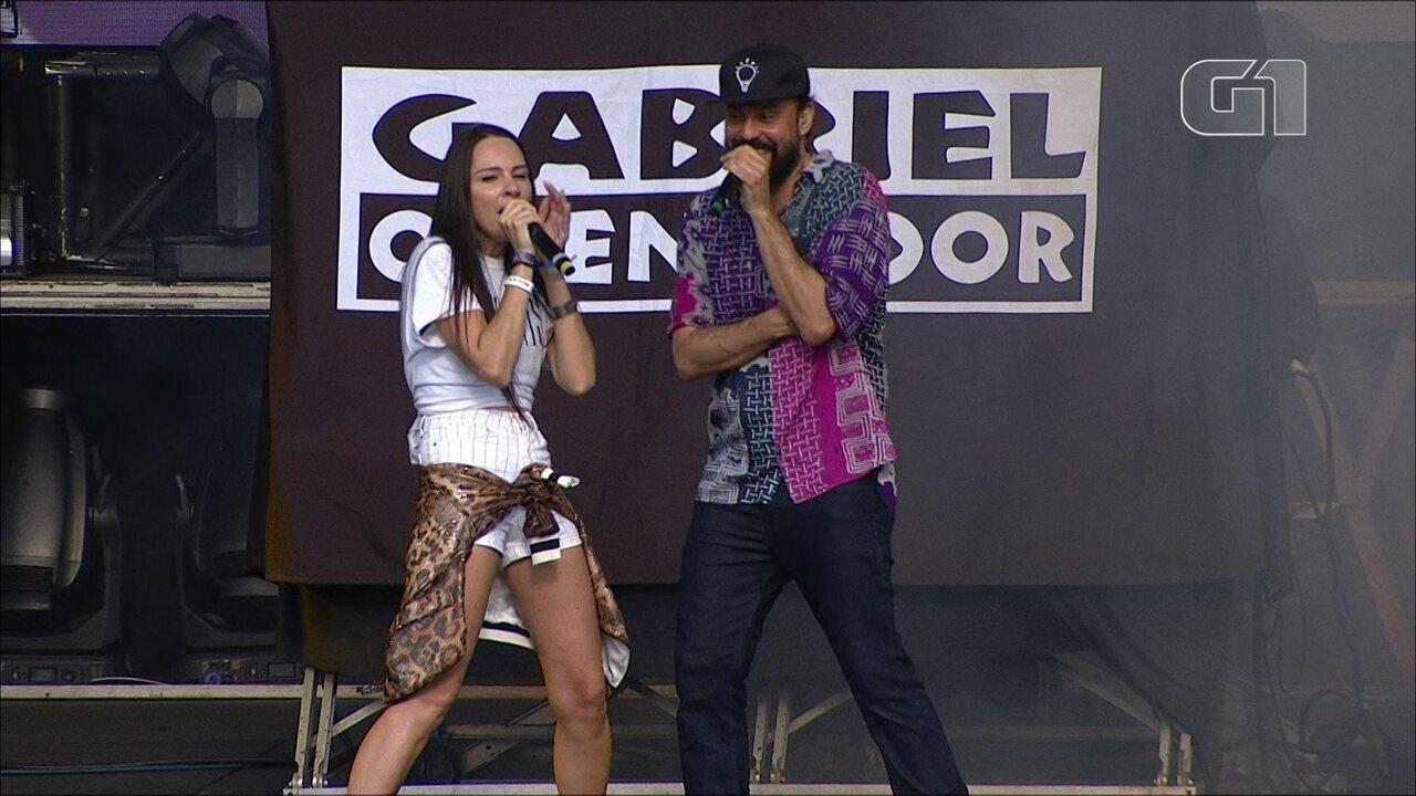 """Gabriel, o Pensador toca """"2, 3, 4, 5, Meia, 7, 8"""" no Lollapalooza 2019"""