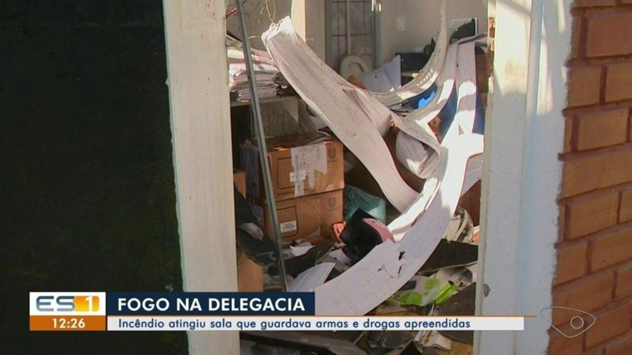 Incêndio em delegacia atinge sala que guardava armas e drogas apreendidas em Cachoeiro