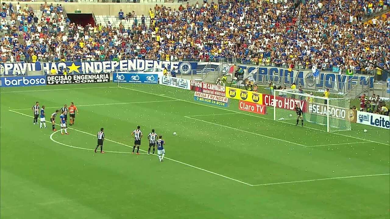 Atlético-MG 1 x 2 Cruzeiro - final Campeonato Mineiro 2013 - segundo pênalti
