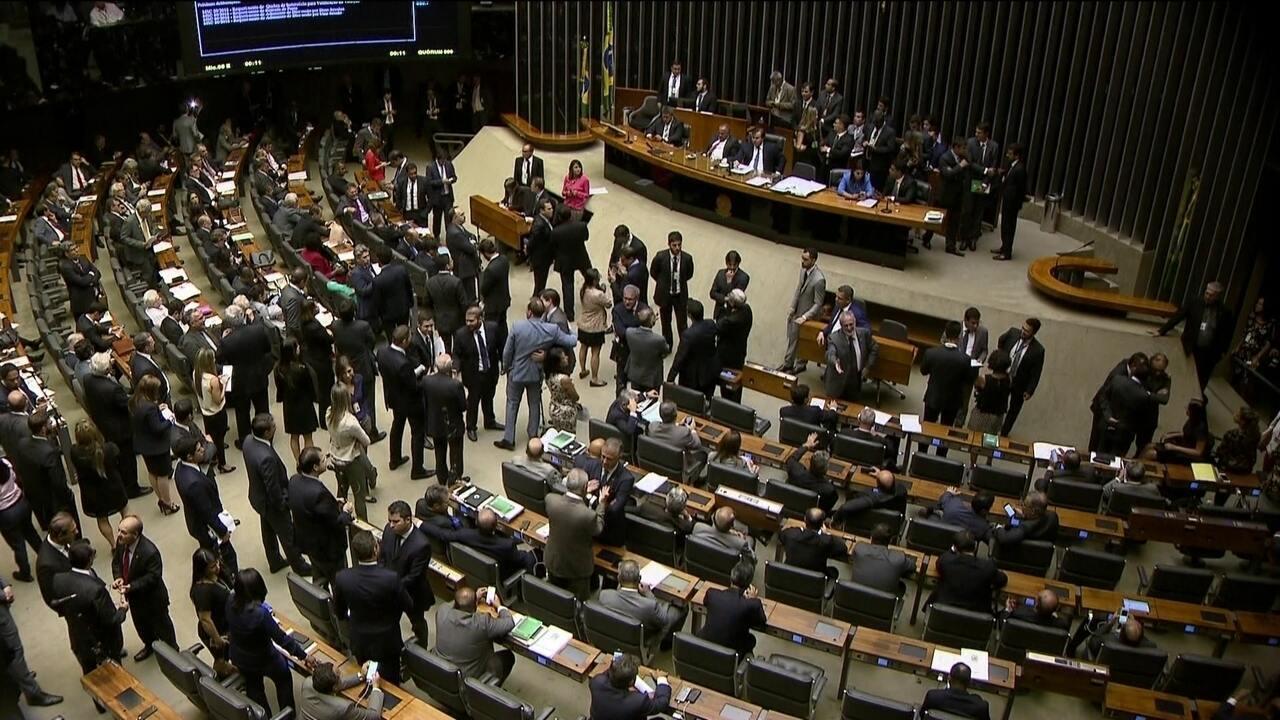 'Centrão' quer votar orçamento impositivo antes da Previdência na CCJ