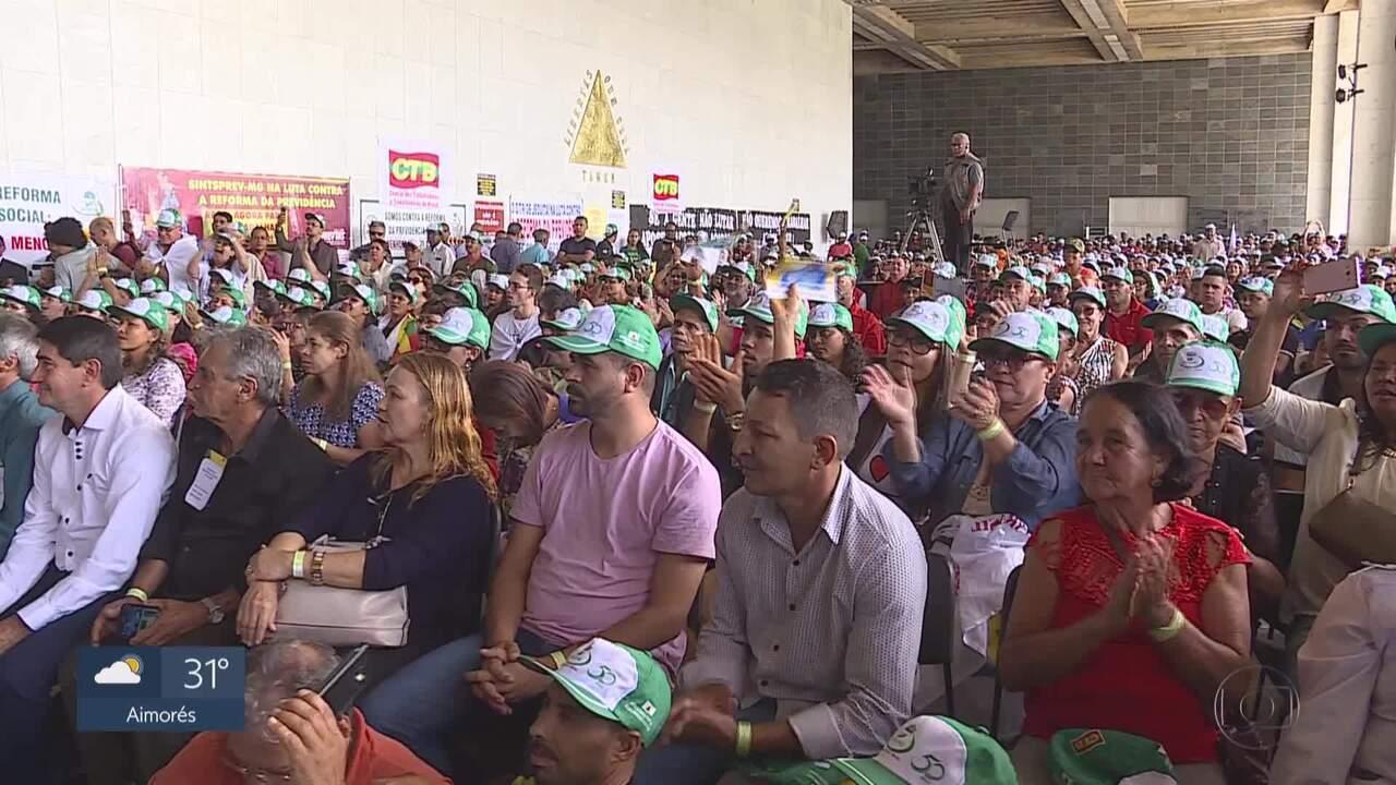 Trabalhadores rurais protestam contra mudanças na aposentadoria