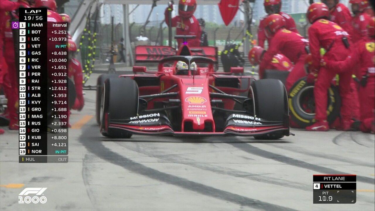 Sebastian Vettel faz o pit stop